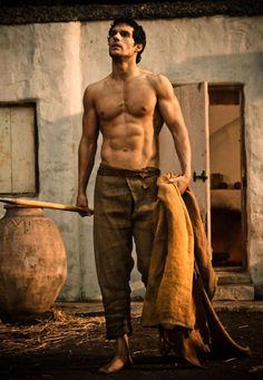 Henry Cavill super shirtless