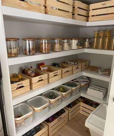 Pantry Room, Kitchen Pantry Design, Kitchen Organization Pantry, Kitchen Organisation, Diy Kitchen Storage, Home Decor Kitchen, Home Organization, Home Kitchens, Kitchen Ideas
