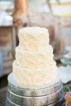 Wedding cake cream cheese frosting - idea in 2017 | Bella wedding