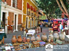 EL MEJOR HOTEL EN PUEBLA La Plazuela de los Sapos, es un sitio lleno de coloridas fachadas y hermosos balcones  que fueron típicos durante la época del Virreinato. Actualmente, es un sitio en donde encontrará bazares de antigüedades y restaurantes. En Best Western Real de Puebla, le invitamos a hospedarse con nosotros, para que pueda visitar y disfrutar de éste y otros atractivos turísticos. #bestwesternhotelrealdepuebla