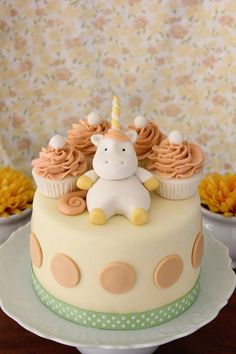 simple unicorn baby cake -lovely colours