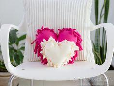 Cómo hacer un cojín corazón sin costuras - Guía de MANUALIDADES Origami, Diy Home Decor, Diy And Crafts, Valentines, Quilts, Handmade, Crochet, Amor, Home