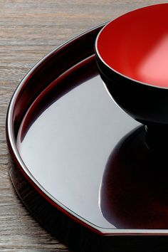 What a gorgeous photo of Japanese wooden lacquer ware!