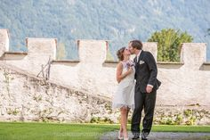 "Beautiful Shot of a Wedding Couple at the Castle ""A Pro"" in Switzerland Wedding Couples, Switzerland, Mount Rushmore, Castle, Nature, Travel, Beautiful, Nice Asses, Naturaleza"