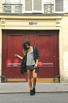 trendy-taste-look-outfit-street-style-ootd-blog-blogger-fashion-spain-moda-españa-fringed-jacket-mustt-ysl-falda-mekdes-leather-piel-9