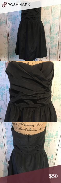 """LulaKate black dress (cocktail/bridesmaid) LulaKate black strapless dress (cocktail/bridesmaid) size 10  🌵Bundle deals available. I carry various sizes/brands. 🌵No trades, holds, or modeling. 🌵All reasonable offers accepted only through """"offer"""" button. No lowball offers please. Please submit final offer willing to pay as I prefer to not counteroffer. 🌵Happy Poshing! LulaKate Dresses Strapless"""