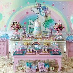 Love this unicorn! Birthday Party Tables, Unicorn Birthday Parties, Unicorn Party, Unicorn And Fairies, Girl Birthday Decorations, Shower Bebe, Rainbow Parties, Dream Party, Party Time