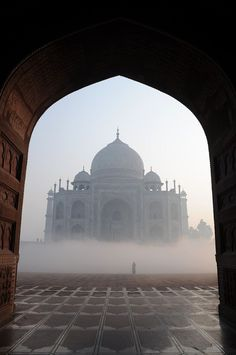 Taj Mahal through the early morning mist, Agra - Taj Mahal - Wikimedia Commons