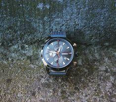 Relojes Forest - Relojes de diseño con estilo deportivo casual Quartz, Watches, Leather, Accessories, Instagram, Fashion, Stuff Stuff, Designer Watches, Athletic Style