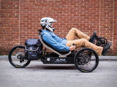 Triciclo Elétrico Aventura Outridersãoveículos ultraleves movidos a conversão de energia elétrica avançada. Com três modos de pilotagem: movido a pedal, a eletro assistido, e somente a energia elétrica, o Outride