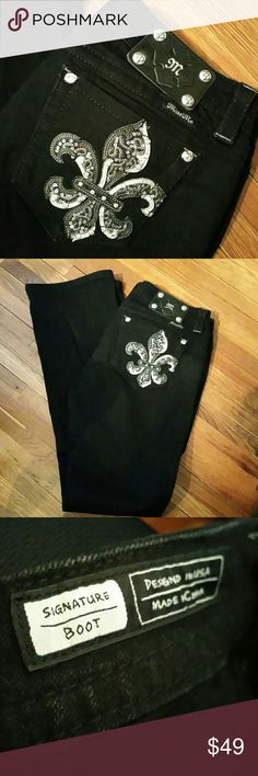 Miss Me black jeans Excellent condition and super cute.  Signature boot inseam 33 Miss Me Jeans Boot Cut