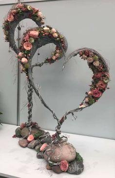 Funeral Flower Arrangements, Funeral Flowers, Floral Arrangements, Wedding Flowers, Deco Floral, Arte Floral, Fall Deco Mesh, Ideias Diy, How To Preserve Flowers