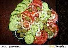 Zeleninový salát s cibulí recept - TopRecepty.cz Caprese Salad, Food, Meal, Eten, Meals