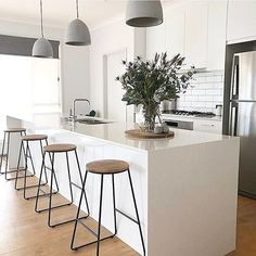 Com/Classy-Kitchen-Bar-Stools-Addition-To-Your-Kitchen/ black bar s Home Decor Kitchen, Kitchen Living, Kitchen Interior, New Kitchen, Home Kitchens, Kitchen Ideas, Kitchen Black, Kitchen Modern, Dream Kitchens