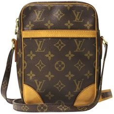 Buy your sac danube cloth bag LOUIS VUITTON on Vestiaire Collective, the luxury consignment store online. Second-hand Sac danube cloth bag LOUIS VUITTON Brown in Cloth available. Louis Vuitton Mens Bag, Louis Vuitton Homme, Louis Vuitton Handbags, Sacs Louis Vuiton, Diamond Are A Girls Best Friend, Cloth Bags, Canvas Leather, Fashion Bags, Leather Handbags