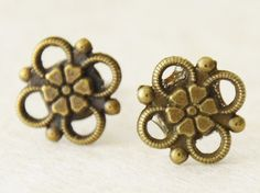 Victorian Brass Flower Earrings / Antiqued by SmittenKittenKendall
