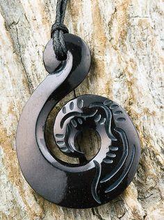 Maori Bone Carving Scrimshaw Black Fish Hook Necklace