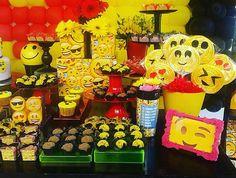 Mesa Emoji  #romã #romãcomemorações #emoji #emojis #festaemoji #festaemojis #emojiparty #emojisparty