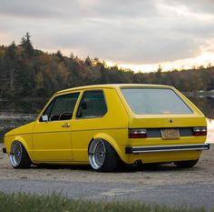 Scirocco Volkswagen, Volkswagen Golf Mk1, Vw Mk1, Motorcycle Wheels, Car Wheels, Custom Wheels, Custom Cars, Jetta Mk1, Mustang Wheels