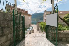 Montenegro Kotor Perast'da 3 yatak odalı, geniş teraslı ve deniz manzaralı taş kır evi 3 bedroom stone country cottage with large terrace and sea view in Perast Kotor Montenegro