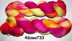 Handgesponnen & -gefärbt - Sockenwolle 4-fach Merino 420m Nr. 733 handgefärbt - ein Designerstück von Trollkoenigin bei DaWanda ->http://de.dawanda.com/shop/Trollkoenigin
