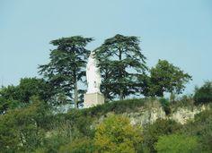 Le rocher de la vierge à 4 km d'Agen à Bon-Encontre...
