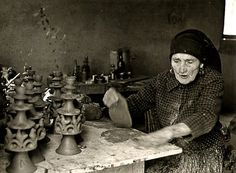 portuguese-history:  Rosa Ramalho at work, one of the most notorious artisans in her day, known for her poterry works (the better known being her Roosters, an emblem of her hometown, Barcelos).