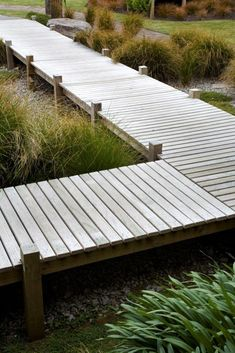 There are almost an unlimited number of diy garden projects enjoyed by people around the world but at the lead of the list consistently is gardening. Garden Structures, Garden Paths, Garden Bridge, Landscape Architecture, Landscape Design, Garden Design, Chinese Architecture, Wood Walkway, Design Jardin