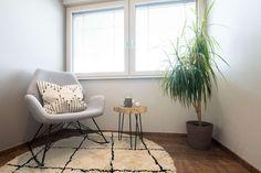 gemütliche Sitzecke im Musterhaus Style 163 W auf der Galerie Eames, Accent Chairs, Furniture, Home Decor, Style, Graz, Room Layouts, Lounge Seating, Stairways