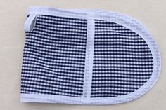 Blue and white checked toy mini oven gloves £5.50