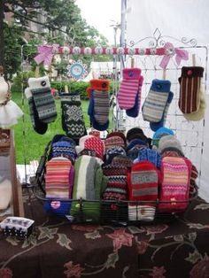 Mittens from recycled felted wool sweaters Craft Show Booths, Craft Fair Displays, Craft Show Ideas, Sweater Mittens, Wool Sweaters, Diy Projects Handmade, Felted Wool Crafts, Recycled Sweaters, Mittens Pattern