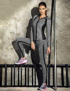 42 new ideas for sport wear outfits - Ideen für Sportbekleidung Sport Fashion, Fitness Fashion, Fashion Outfits, Polo Shirt Women, Polo Shirts, Weekend Wear, Golf Outfit, Sport Wear, Sports Women