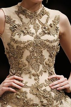 The inspiring embroidery of Alexander McQueen