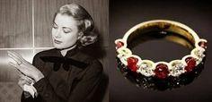 Bague de fiançailles de Grace Kelly - Moins connue, mais également créée par Cartier, voici la première bague de fiançailles de Grace Kelly: en rubis et diamants, elle est aux couleurs de Monaco.