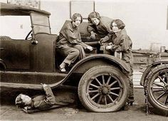 1914, the ladies car broke down. Only one of them is mechanically talented.