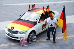 Seid Ihr für den Abend gut vorbereitet? Heute ist Mitfiebern und Daumendrücken angesagt.... Go Deutschland, go!