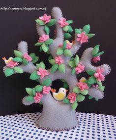! * Practical and Creative!: Felt Tree
