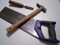 carpenter tools, serrucho, martillo, formon