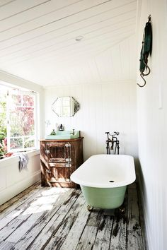 81 best country style bathrooms images primitive homes washroom rh pinterest com