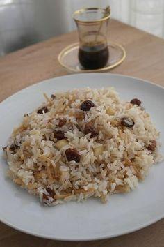 How to prepare Arab rice. Peruvian Dishes, Peruvian Cuisine, Peruvian Recipes, Rice Recipes, Vegan Recipes, Cooking Recipes, Easy Dinner Recipes, Easy Meals, Arabian Food