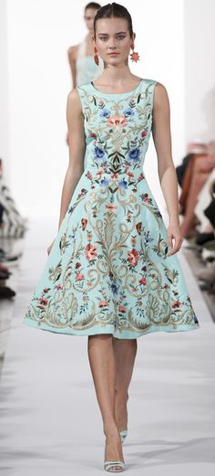 Oscar De La Renta Ready To Wear Spring 2014..so pretty for a spring or summer wedding!!! or just to dinner!!! so lady like