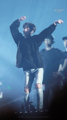 ( ˃̶᷇ ‧̫ ˂̶᷆ ) [❤️] 171210 The Wings Tour The Final in Seoul D-3 // #JUNGKOOK ☆彡