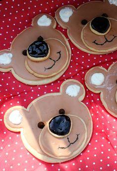 cutest little things: Teddy Bear Picnic Teddy Bear Cookies, Teddy Bear Day, Teddy Bear Birthday, Baby Cookies, Teddy Bears, Picnic Birthday, 2nd Birthday Parties, Birthday Ideas, Bear Party
