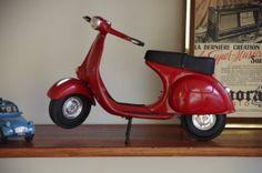 mini-vespa-vintage-red