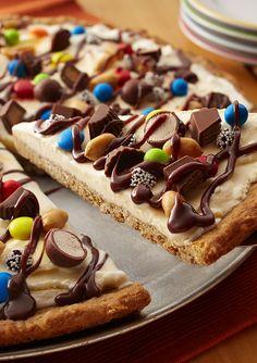 Eiscreme-Plätzchen-Pizza - parker and livi 3 & 5 - Ice Cream Pizza, Diy Ice Cream, Ice Cream Toppings, Ice Cream Desserts, Ice Cream Party, Köstliche Desserts, Ice Cream Recipes, Dessert Recipes, Holiday Desserts