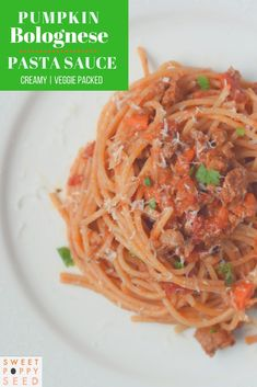 A favorite hygge kind of meal we are totally into right now is Pumpkin Bolognese Pasta Sauce! A comforting bowl of bolognese made creamy and extra nutritious with pumping puree. Healthy Living Recipes, Real Food Recipes, Yummy Food, Delicious Recipes, Pasta Recipes, Vegan Recipes, Tasty, Bolognese Pasta, Fancy Dinner Recipes