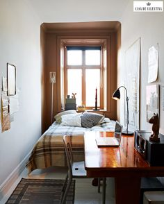 Small Bedroom // Decoration // Home Decor // Interior Design // House // Apartment Narrow Rooms, Small Rooms, Narrow Bedroom Ideas, Long Narrow Bedroom, Tiny Spaces, Small Apartments, Small Space Living, Living Spaces, Living Room