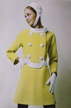 "Discover the collection ""In Yellow"" on the Pierre Cardin website 1960s Mod Fashion, 1969 Fashion, Sixties Fashion, Look Fashion, Retro Fashion, Vintage Fashion, Womens Fashion, Fashion Ideas, Sporty Fashion"