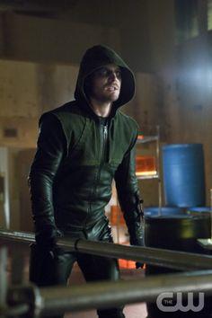 "Arrow -- ""Vertigo"" -- Image AR112b_4322b – Pictured: Stephen Amell as The Arrow -- Photo: Jack Rowand/The CW -- ©2013 The CW Network. All Rights Reserved"