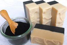 Yogurt and Charcoal Soaps(Diy Soap Charcoal) Handmade Soap Recipes, Handmade Soaps, Soap Bomb, Charcoal Soap, Homemade Scrub, Cold Process Soap, Home Made Soap, Soap Making, Yogurt